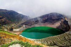 Hồ đổi màu trên núi Kelimutu một câu chuyện lý thú