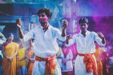 Tham gia lễ hội ném màu Holi với vé máy bay Vietjet 0đ